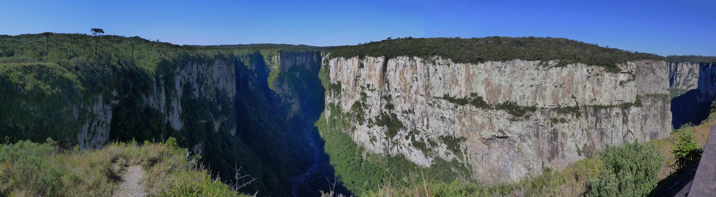 Blick in den Canyon (maximalde Höhe ca. 700 m)